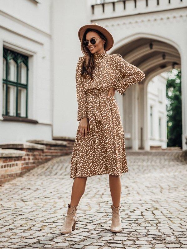 Sukienka Vajo Karmelowa