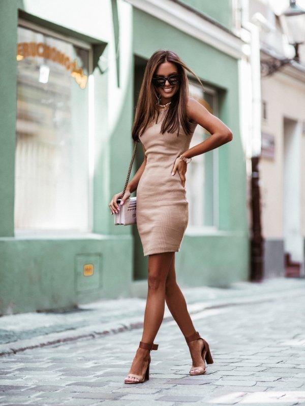 Sukienka Slimi Karmelowa