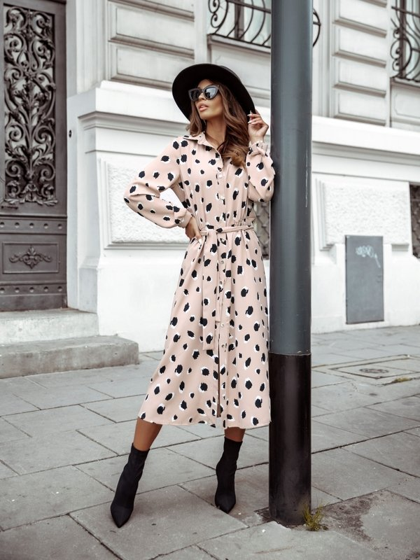 Sukienka Lesilla Pudrowa